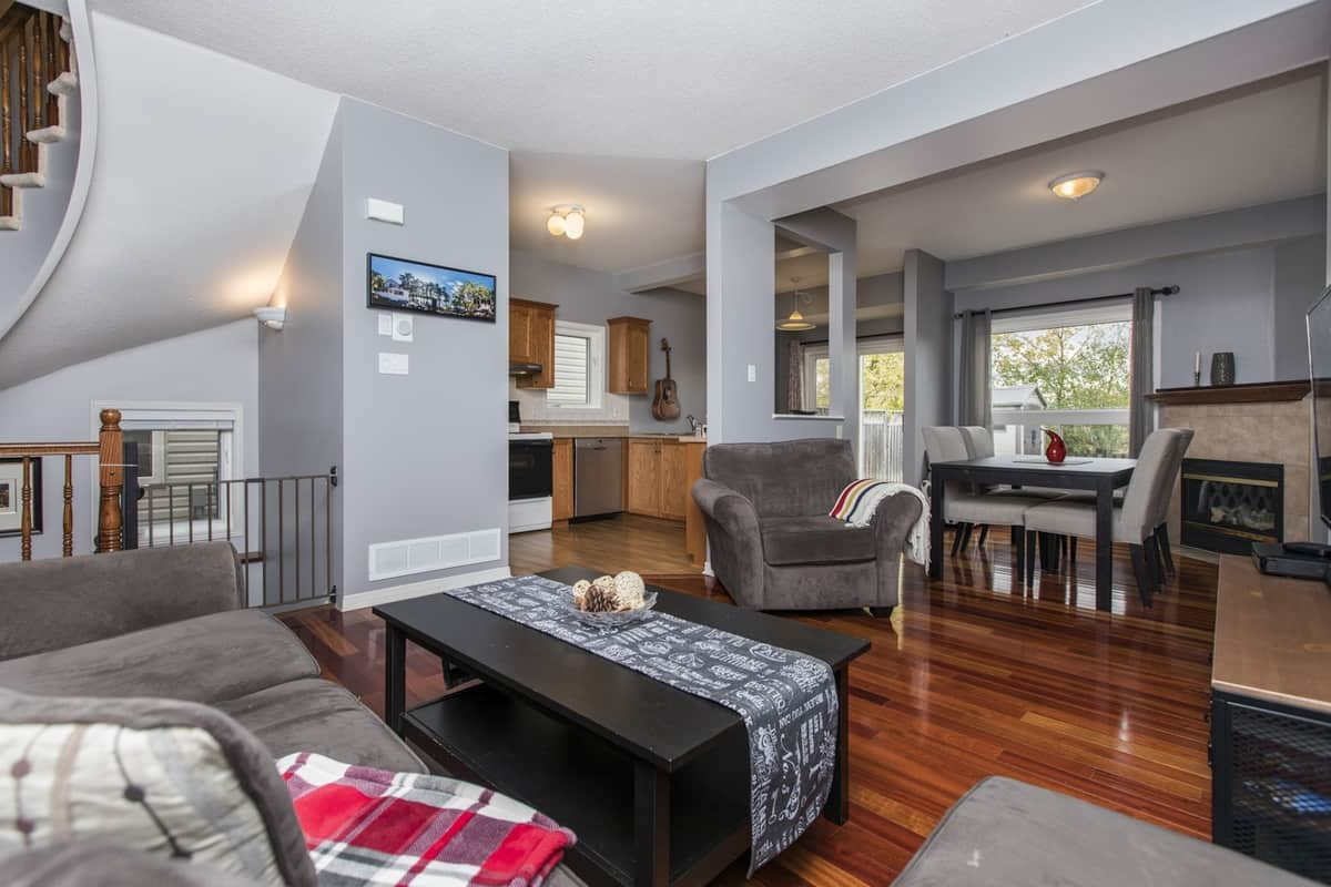 114 Sawmill Private Ottawa - End Unit Townhome for Sale
