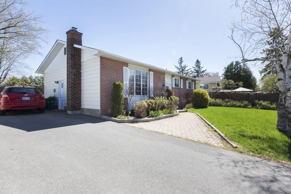 124 Sheldrake Drive Kanata 3 bedroom bungalow w finished basement for sale - Glencairn