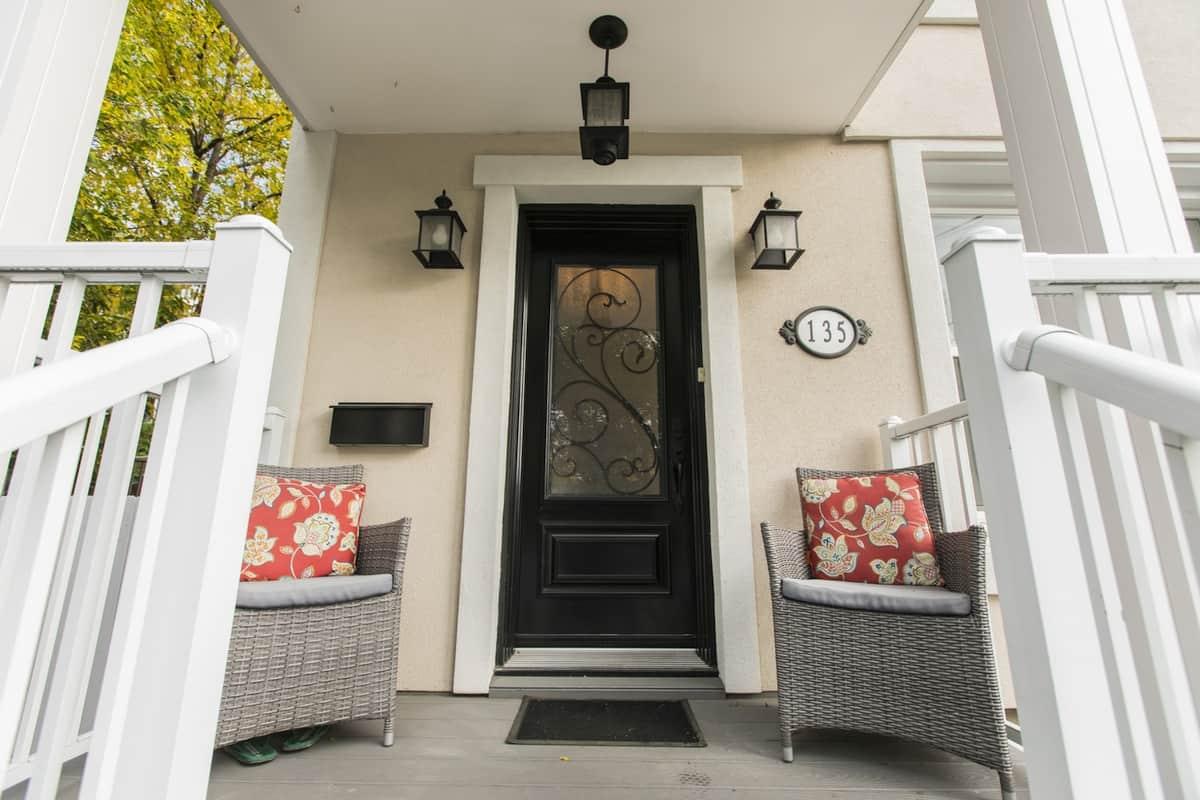 135 Putman Avenue 3 bedroom 2 storey in Lindenlea Ottawa for sale.