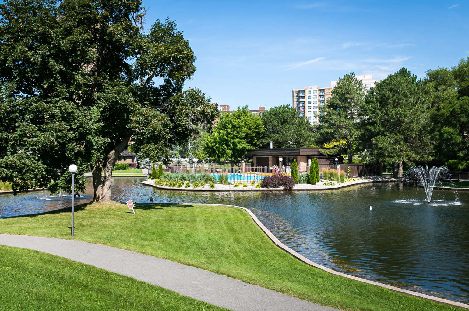ground floor two bed condo for sale 118-270 brittany drive ottawa