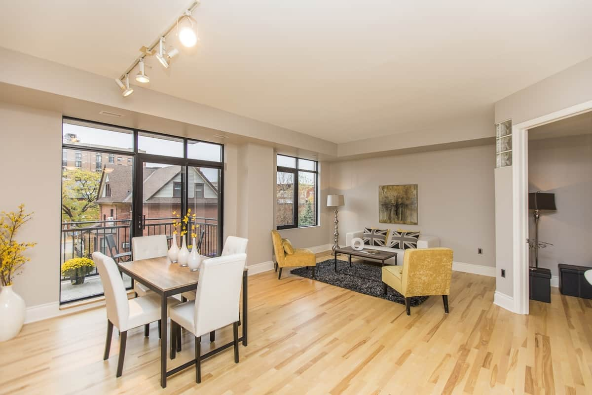 306-364 Cooper Street Ottawa - One Bedroom plus den condo for sale.