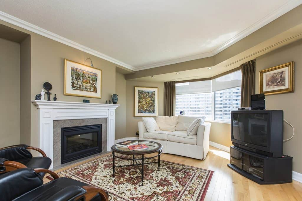 Luxurious 2 Bed Condo Steps from Parliament in Downtown Ottawa - 1203-151 Bay Street For Sale - $379,900  --SOLD--