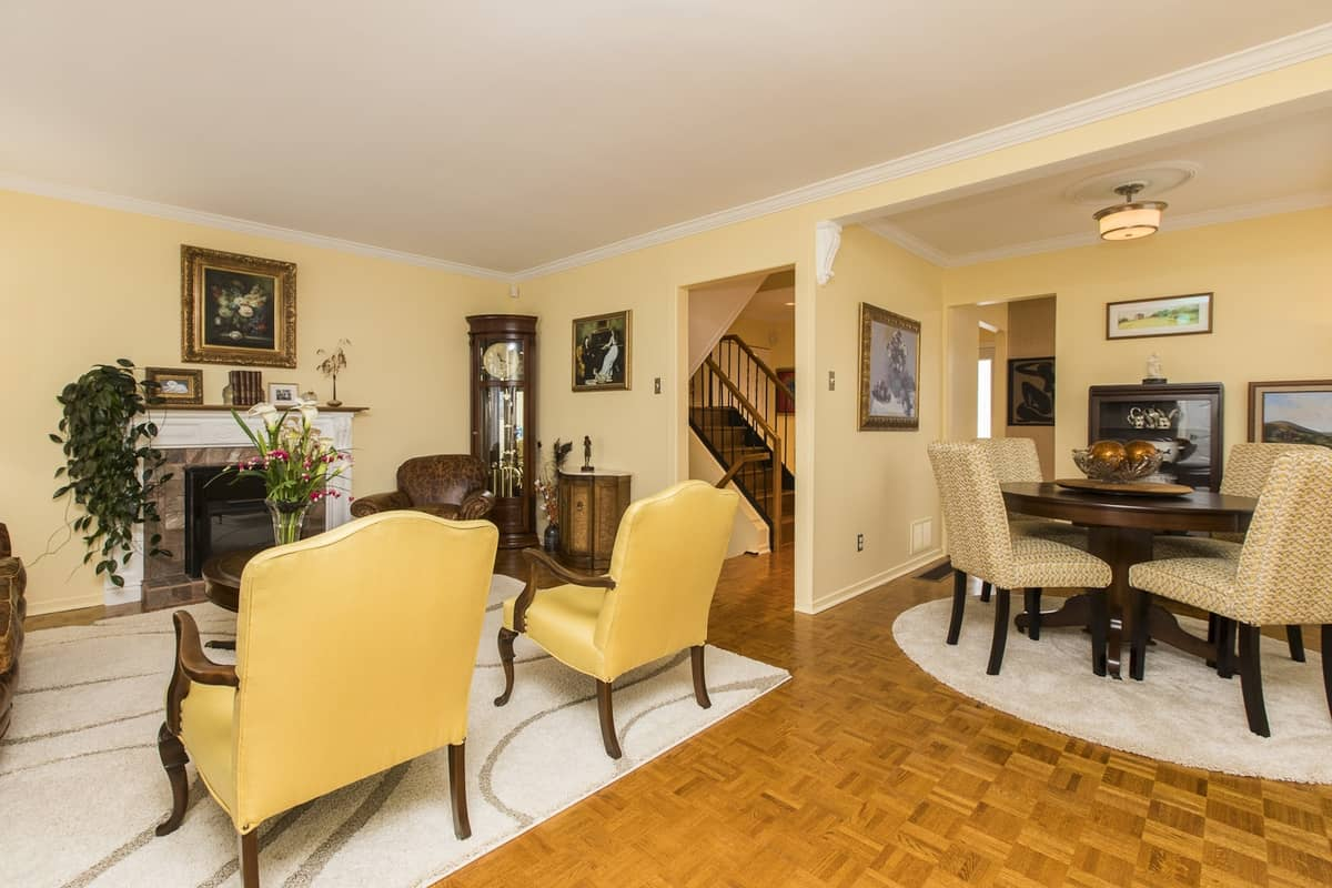 Meticulous End Unit 3 Bedroom Townhome near Carleton University - 906 Dynes Rd Ottawa - $309,900  --SOLD--