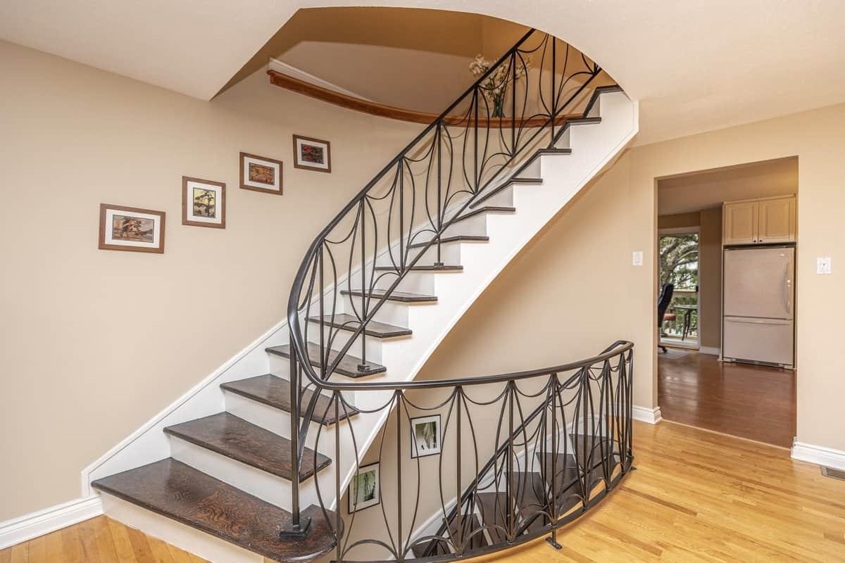 2557 Flannery Drive Ottawa Spacious 3 Plus 1 Bedroom Townhome Near Mooney S Bay 399 900 Sold Www Ericmanherz Com