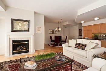 Sophisticated Urban Lifestyle in the Heart of Downtown Ottawa - 1003-374 Cooper Street. For Sale - $614,900 --SOLD--