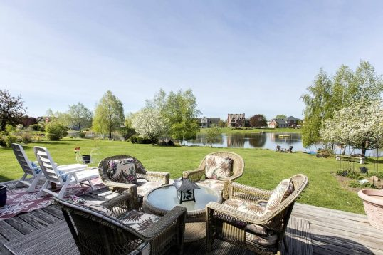 6935 Lakes Park Drive Ottawa - waterfront living at it's best