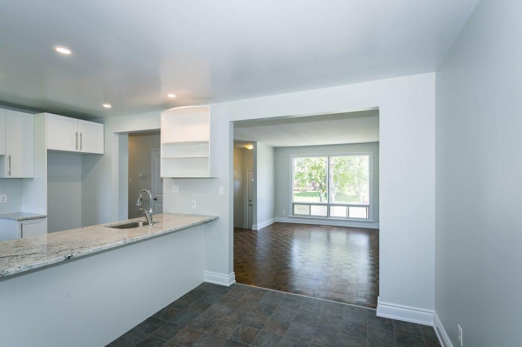 97 Glamorgan Kanata - 3 bed renovated bungalow for sale, new kitchen, new bath